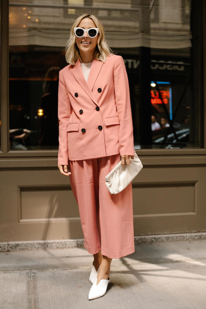 Street Style Suits Up At New York Fashion Week Smu Look
