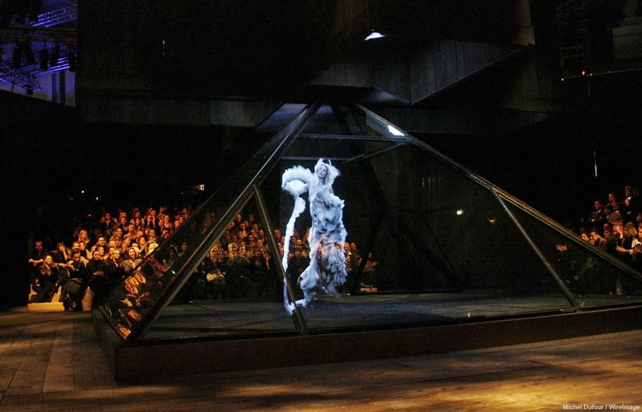 A hologram of Kate Moss plays at the designer's Fall/Winter 2006 show.