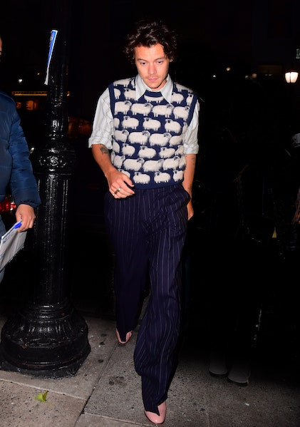 I wonder if Harry Styles knows how many people are tuned into his fashion.