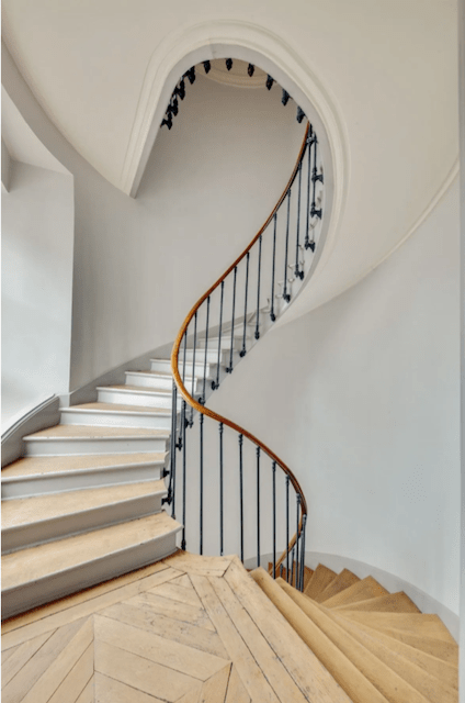 This staircase is magical.