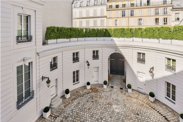 Imagine having this stately courtyard all to yourself...