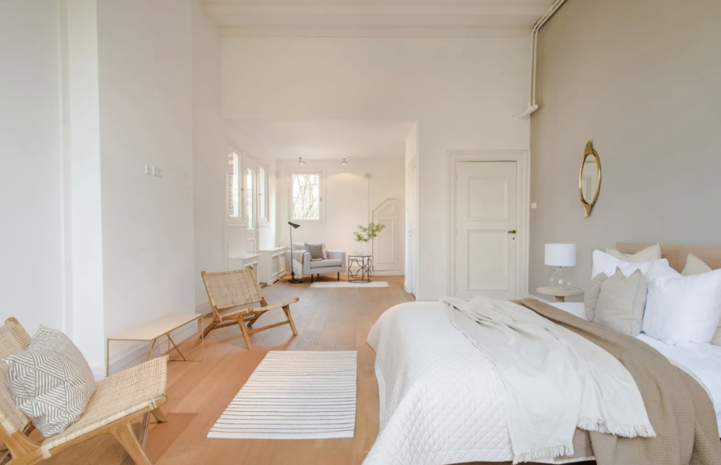 A perfectly Scandinavian master bedroom. Calming, serene, and alluringly neutral.