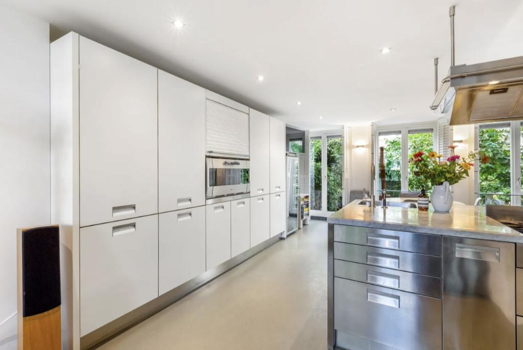 A beautifully modern chef's kitchen.